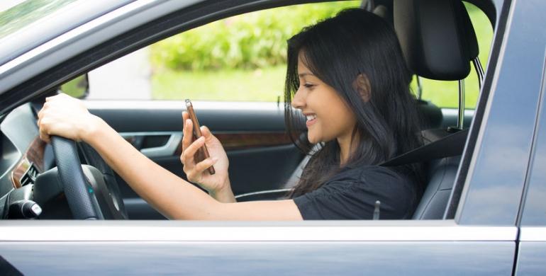 Cómo interactuar con tu vehículo a través de aplicaciones móviles