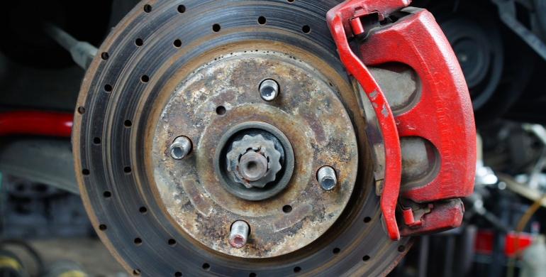 Aprenda cómo cuidar los frenos de su vehículo