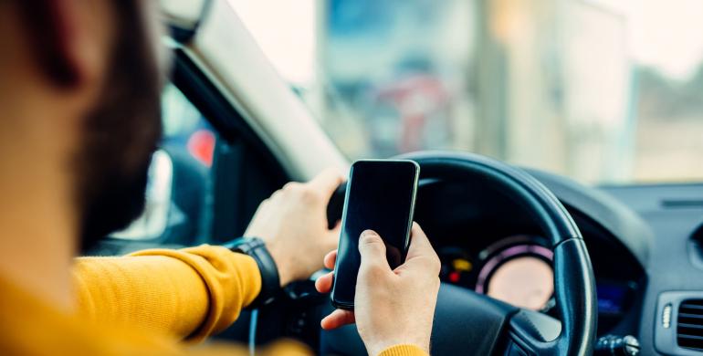 Las distracciones más peligrosas al conducir