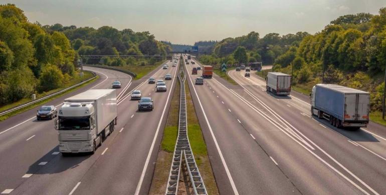 Adelantar en carretera: una maniobra peligrosa