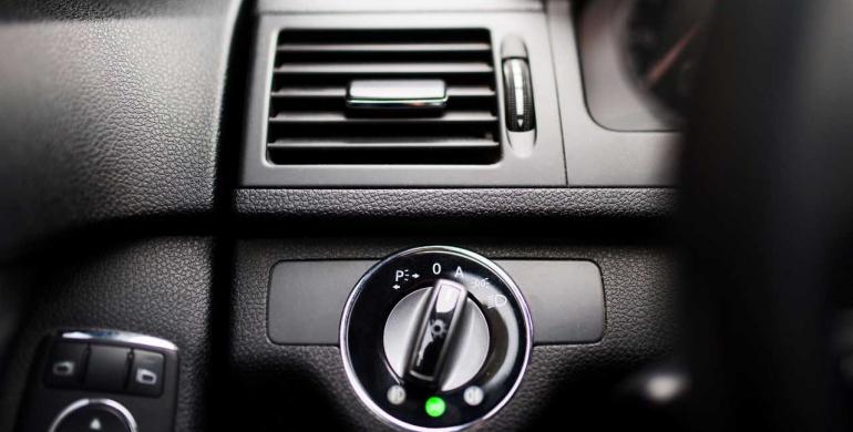Instalación del aire acondicionado en el vehículo