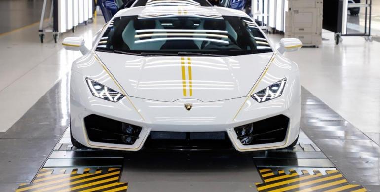 La subasta del Lamborghini Huracán del Papa Francisco