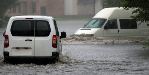 Recomendaciones examinar para un vehículo inundado