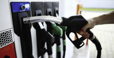 Cuanta gasolina consume un carro por kilómetro