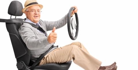 ¿Cuál es la posición correcta para sentarse al volante?