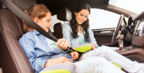 Cuidados para bebes y niños en el carro