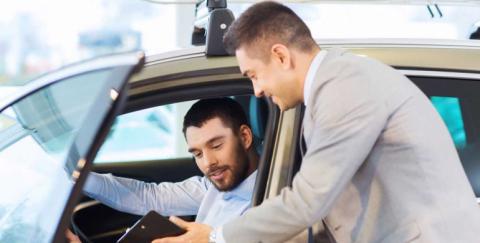 Estado de cuenta y pago de impuestos de un vehículo