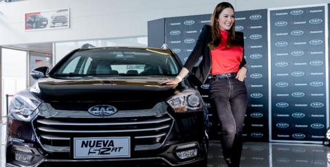 """Los famosos colombianos """"embajadores"""" de las marcas automotrices"""