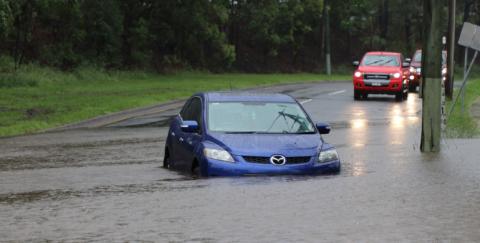 ¿Qué hacer si mi vehículo se inunda?