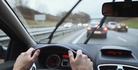 ¿Cómo saber si hay que cambiar los limpiaparabrisas de tu vehículo?